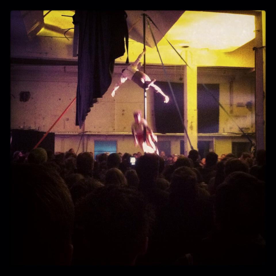 Cirkus til PB43 Præsenterer...