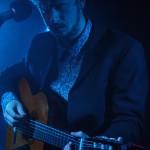 Jens-Ulrik Kleemeyer i aktion på guitaren.